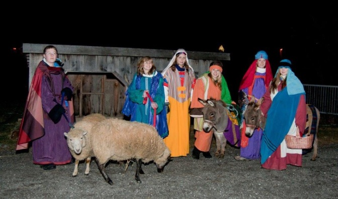 Travelers on their way to Bethlehem