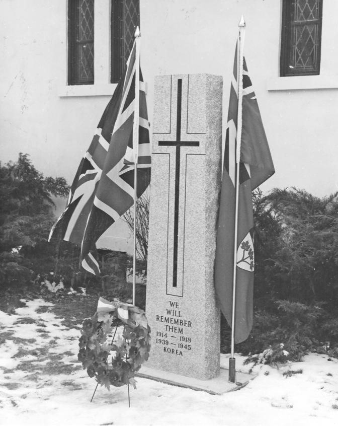 nd-war-memorial-fergus-adj